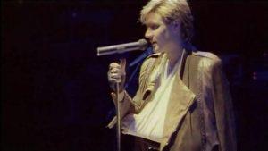 Duran Duran Sing Blue Silver 23 Simon fakes a broken arm